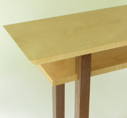 With a range of sizes and a selection of wood colors, it's easy to build a custom classic table.