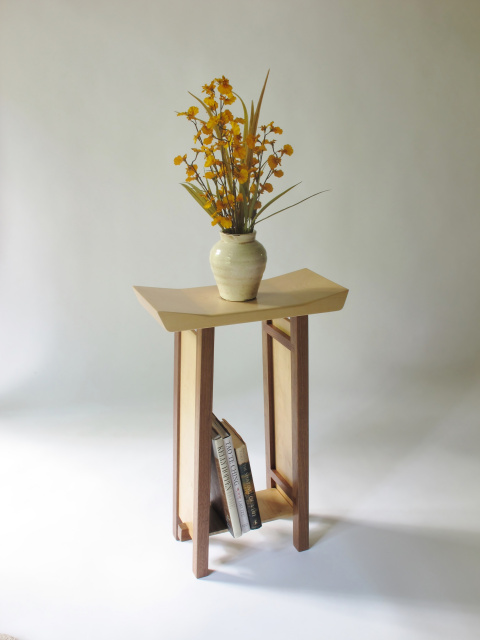 Superbe Narrow Modern Zen Side Table With A Hand Shaped Artistic Table Top
