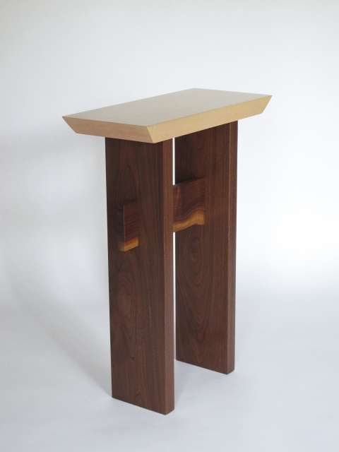 Statement accent table for small spaces solid wood accent table artistic side table small - Side table small space photos ...