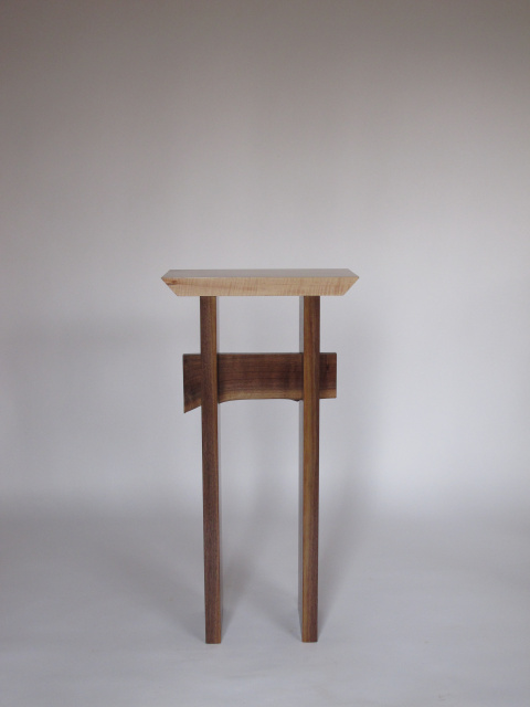 A small narrow table for a tall entry table narrow hall for Small tall end table